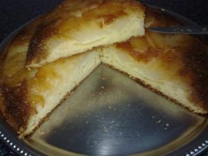 Gâteau poires caramélisées et noix de coco