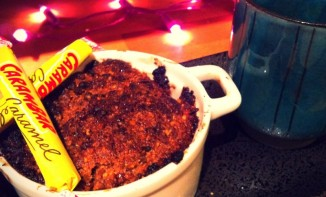 Crumble poires, chocolat noir et Carambars