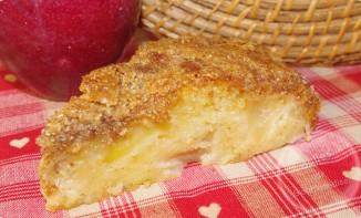 Gâteau aux pommes en habit croustillant