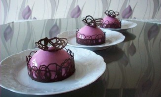 Entremet chocolat blanc et fraises