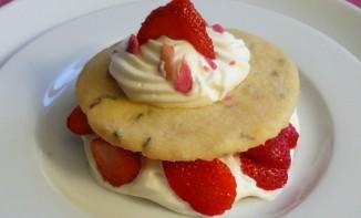 Recette Sablés fraises, framboises et lavande