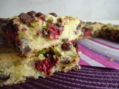Blondies framboises pistaches et chocolat
