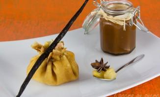 Aumônière de crêpes, compotée pommes poires et caramel au beurre salé