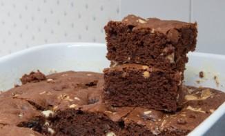 Fondant au Chocolat Noir et éclats de Chocolat Blanc