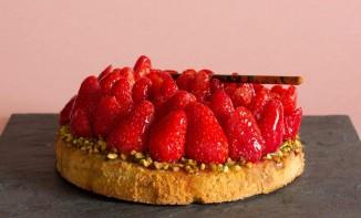 Tarte aux fraises Gariguettes et pistaches