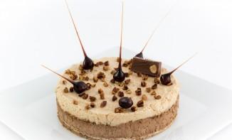 entremet chocolat praliné, mousse caramel beurre salé et dacquoise noisette