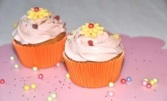 Cupcakes citron-pavot et sa crème mûre sauvage