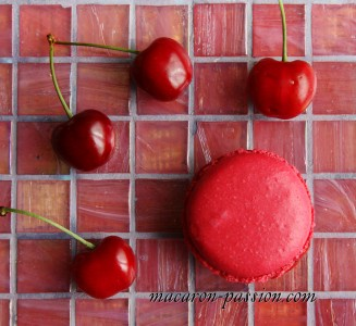 Macaron cerise gingembre anis