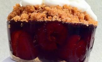Gelée cerises saveur pina colada, crumble
