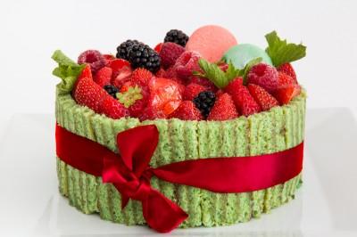 Charlotte aux fruits rouges et pistache