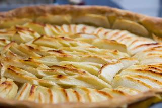 Tarte aux pommes et miel de tilleul