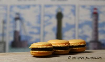 Macarons caramel beurre salé et chocolat