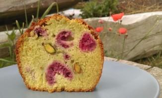 Cake sans gluten pistache framboises