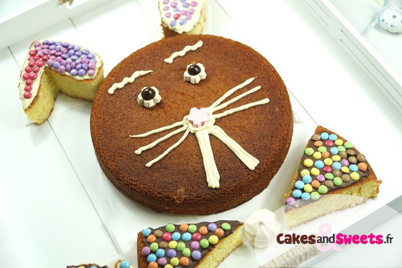 Beau Gateau De Paques Original 4 On D Core Avec Des Oeufs Et Une Petite Poule En Chocolat